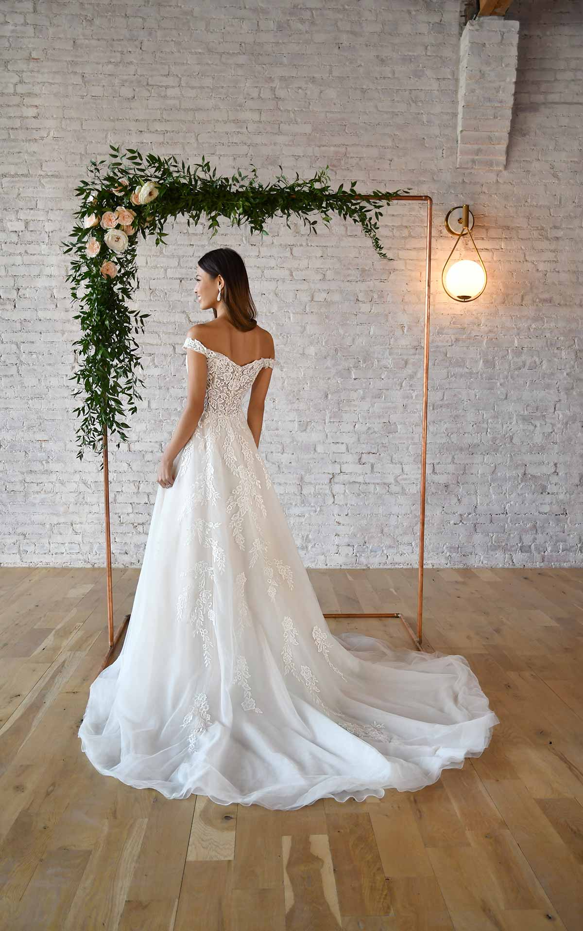 7316 Sweetheart Off-the-Shoulder Wedding Dress with Detachable Train by Stella York